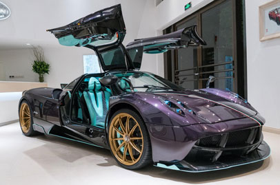One-of-three Pagani Huayra Dinastia for China