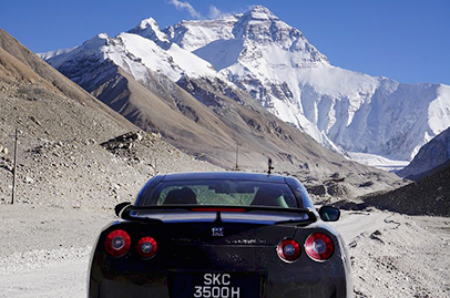 Singaporean drives his GT-R to Everest Base Camp