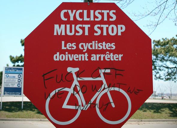 201149-cyclist-stop.jpg