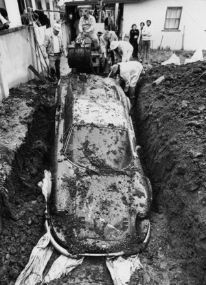Attached Image: ferrari_dino_246_gt_buried_2.jpg