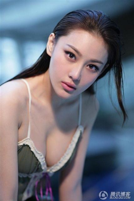 Li Mo Chou 02.jpg