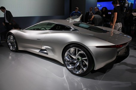 Attached Image: 2010_jaguar_c_x75_concept_100324872_m.jpg