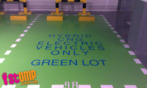 Attached Image: parking_lots_reserved_for_hybrid_cars_at_313_somerset_thumbnail.jpg