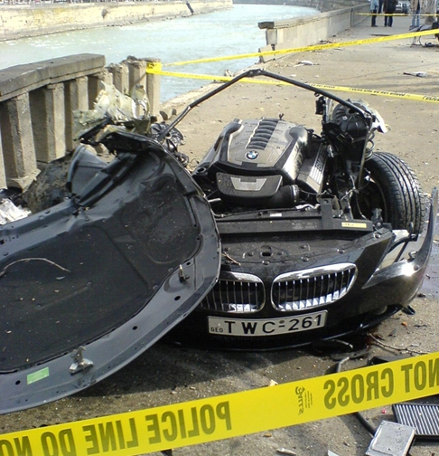 Attached Image: 6_17_08_bmw650_crash_1.jpg