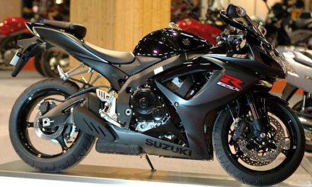 Suzuki_GSX-R_750_rechts.jpg