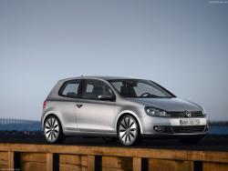 Volkswagen_Golf.jpg
