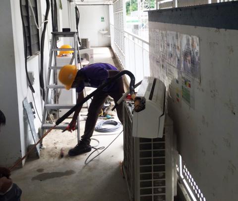 air-con repair.jpg