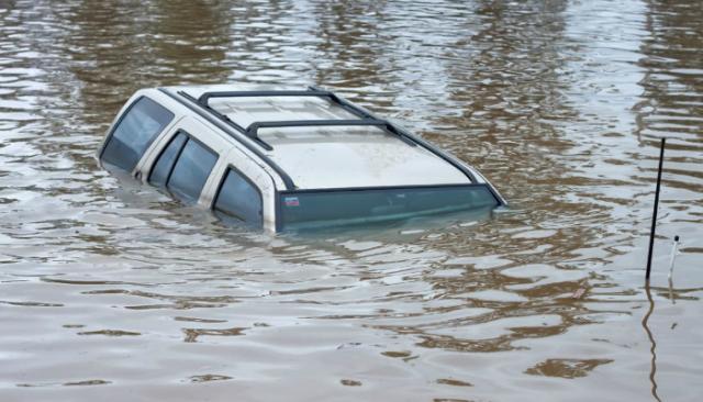 car-submersion-flood.jpg