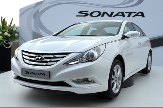 Attached Image: rsz_2011_hyundai_sonata.jpg