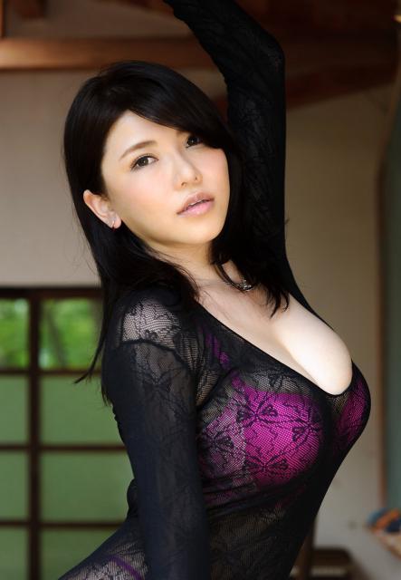 anri-okita-9.jpg