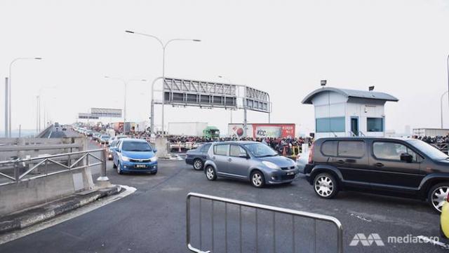 tuas-immigration-traffic-4.jpg