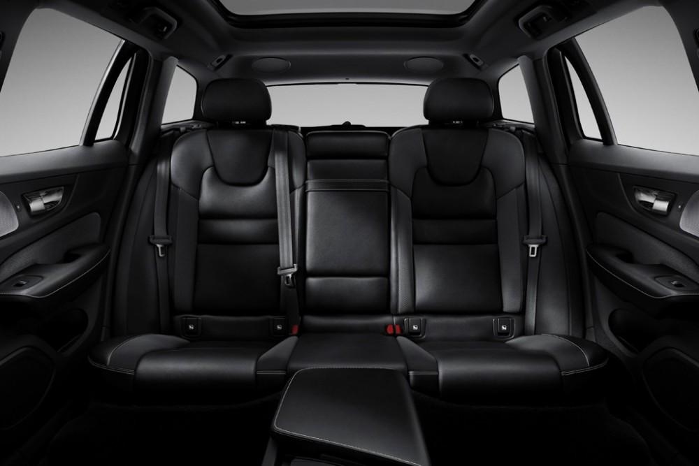 231018_New_Volvo_V60_R-design_interior1024.jpg