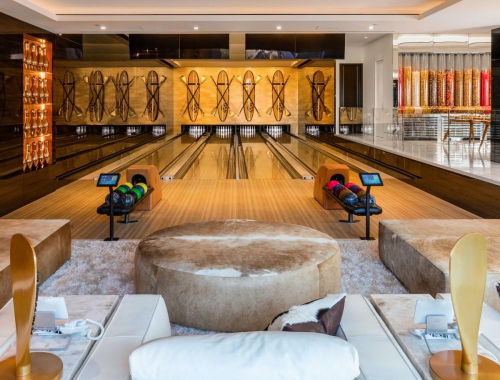 Bowling.thumb.jpg.7586a221420246c0ae45b13e2f9f0508.jpg