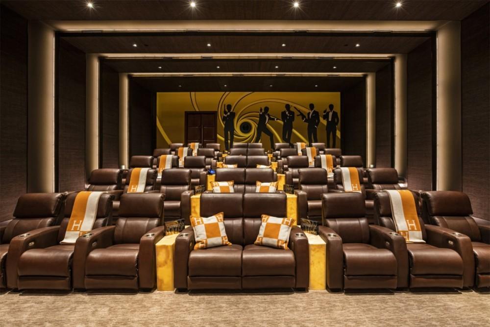 Cinema.thumb.jpg.491eb4931c97c7f23545de478aef1d05.jpg