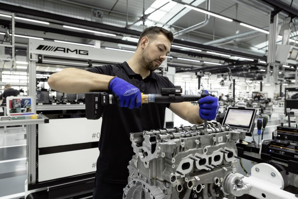 Mercedes-AMG-engine-A45-CLA45-45-A-CLA-2019-8.thumb.jpg.6b04d26a5a7b9668b234864592735e62.jpg