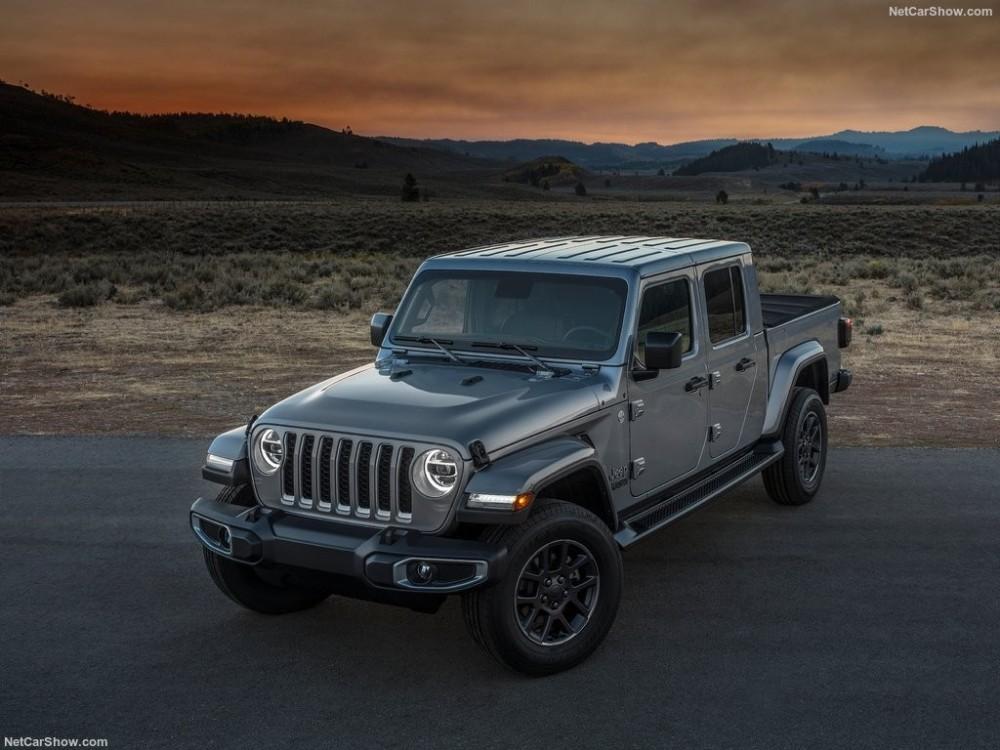 Jeep-Gladiator-2020-1024-05.thumb.jpg.78fa595107aff16416aff2b45010c1da.jpg