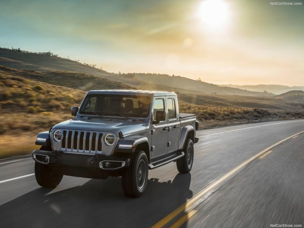 Jeep-Gladiator-2020-1024-20.thumb.jpg.8108dcdae62759cf59b106ef9380f795.jpg