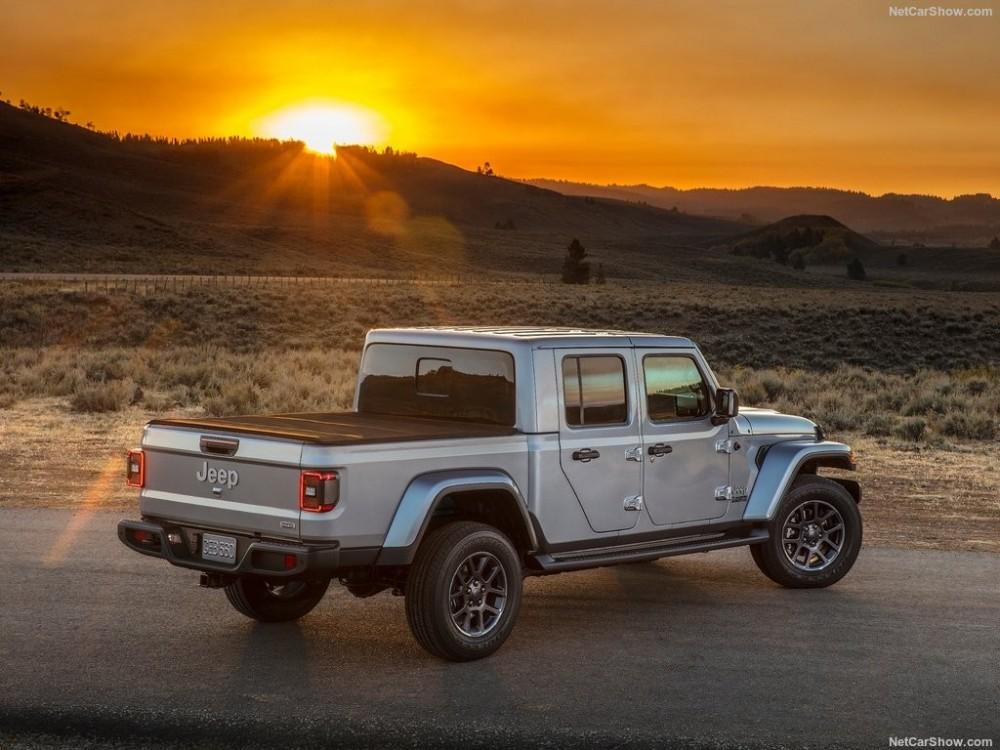 Jeep-Gladiator-2020-1024-71.thumb.jpg.56e76e5c5b1c249e8261dada50f01bf0.jpg