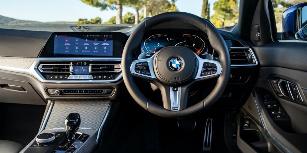 3-Series-interior-dash-1.thumb.jpg.a20c0c889d909292355a92894a93a343.jpg