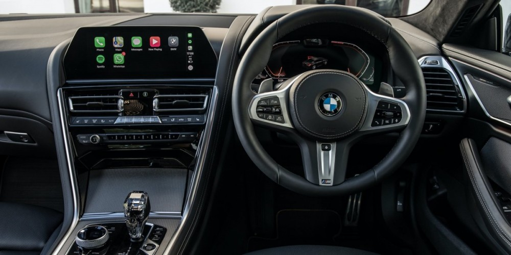 8-Series-interior-dash.thumb.jpg.7b9116670e804cc14115766df9466386.jpg