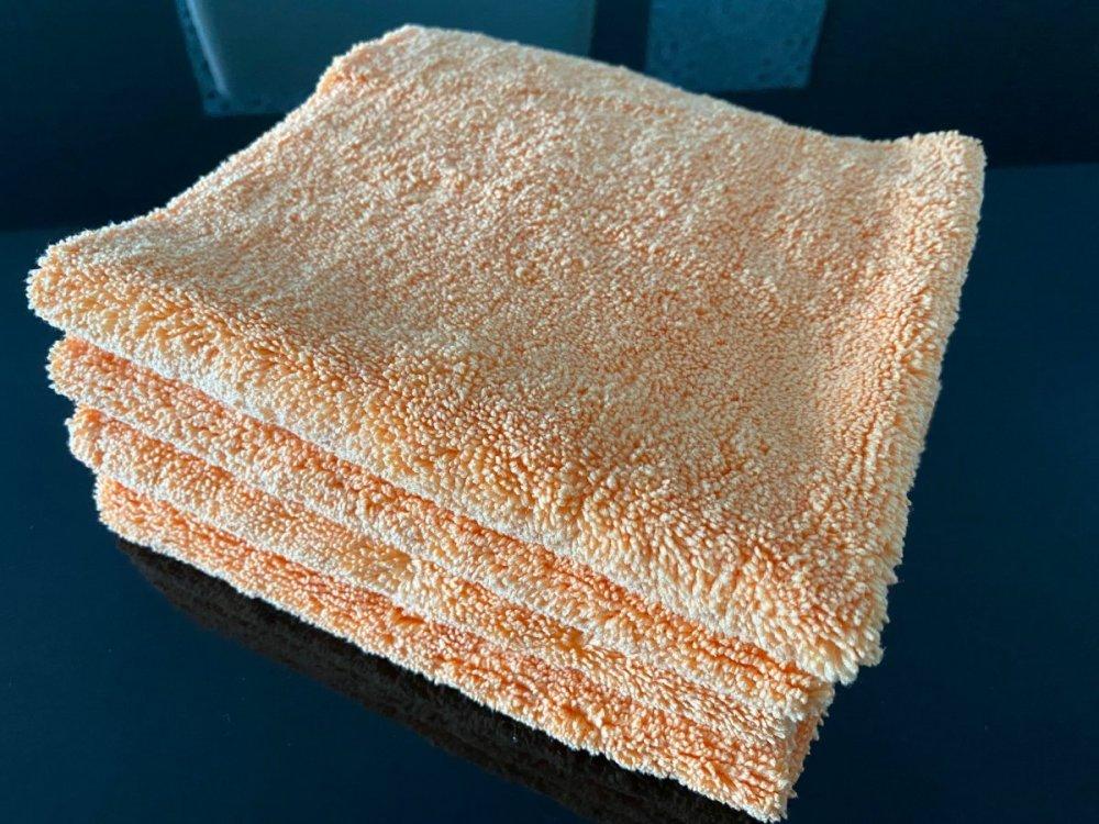 cloth-1.thumb.jpg.7dee579f2e21dd911687c16bf7684cf3.jpg