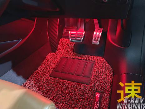 https://www.mycarforum.com/uploads/sgcarstore/data/1//11571396274_0Audi-TT-2018-Leg-Room-LED-Lighting-Pic-1.jpg