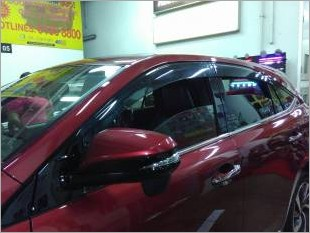 https://www.mycarforum.com/uploads/sgcarstore/data/1//newtoyotaharrierinjectiondoorvisor_34916_1.jpg