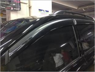 https://www.mycarforum.com/uploads/sgcarstore/data/1//toyota picnic injection door visor 2_1.jpg