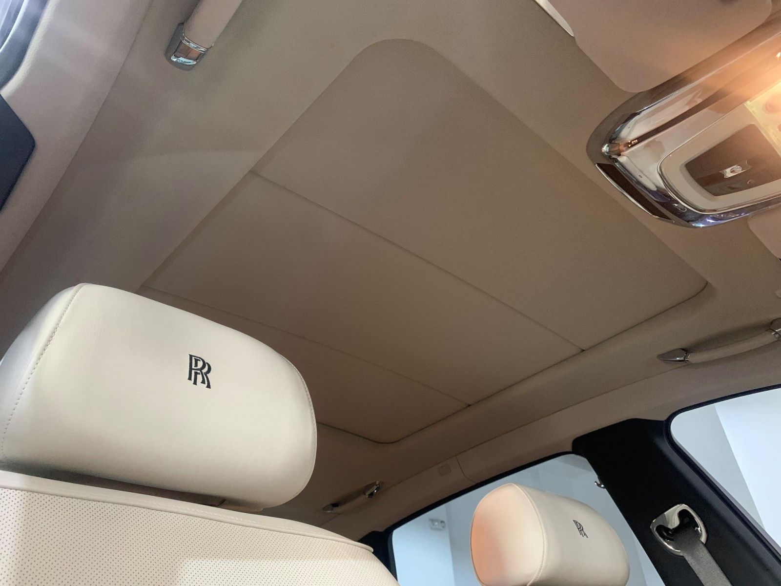 Roof Lining Reupholstery Service