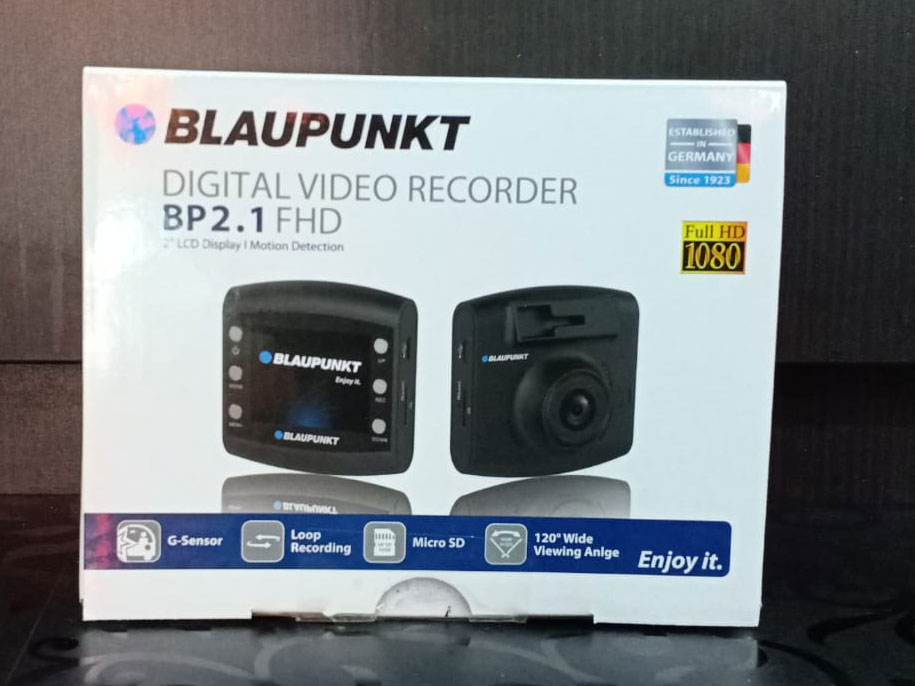 "Blaupunkt BP 2.1 1-Channel Full HD DVR 2.0"" LCD Colour Display Car Camera"