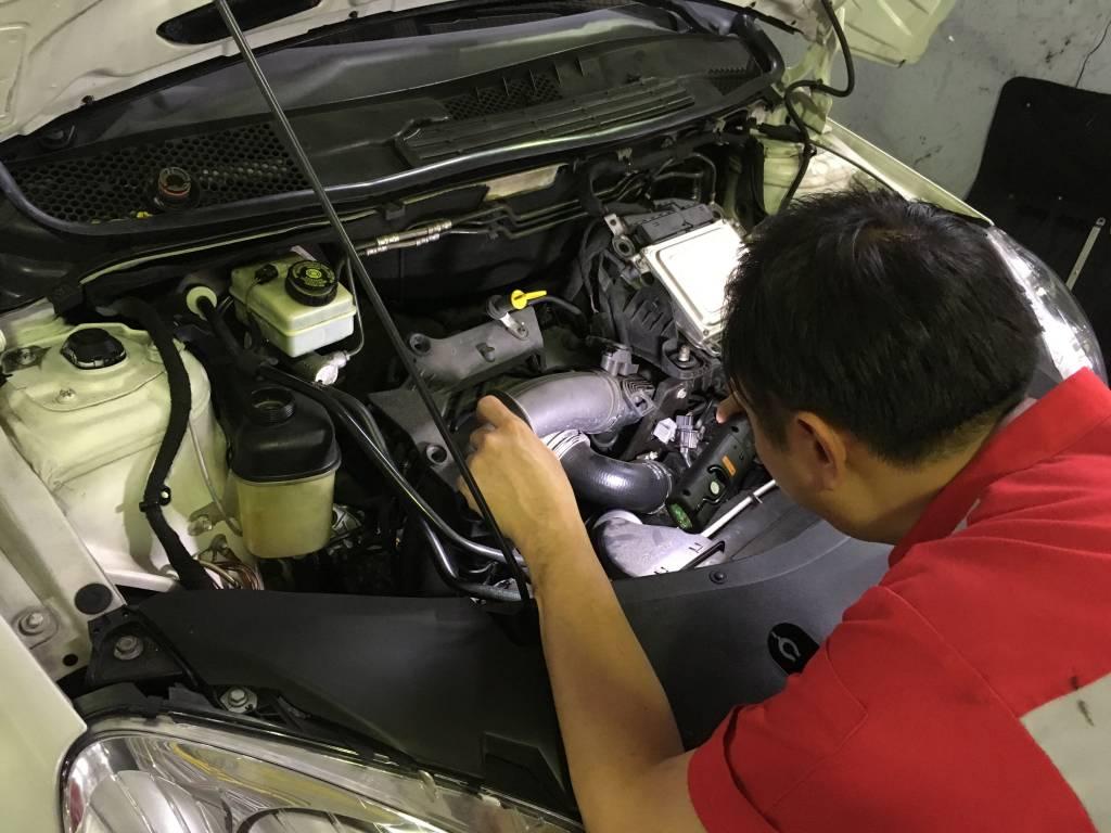 Engine Overhaul and Rebuild