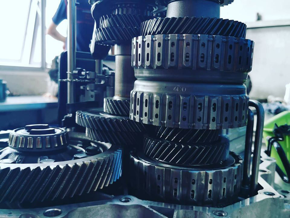 Gearbox / Transmission Repair & Overhaul Services (Continental/Sports Car)