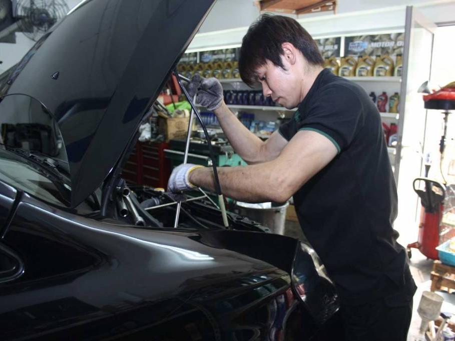 XADO 5W30 Extra Drive Revitalizant SUV & MPV Vehicle Servicing