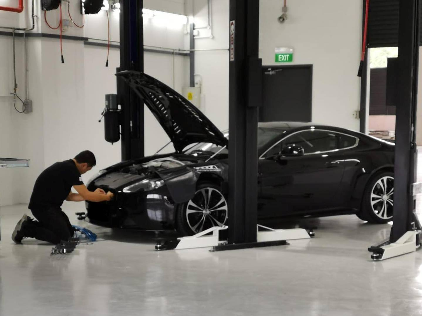 Mobil 1 Major Car Servicing For Aston Martin