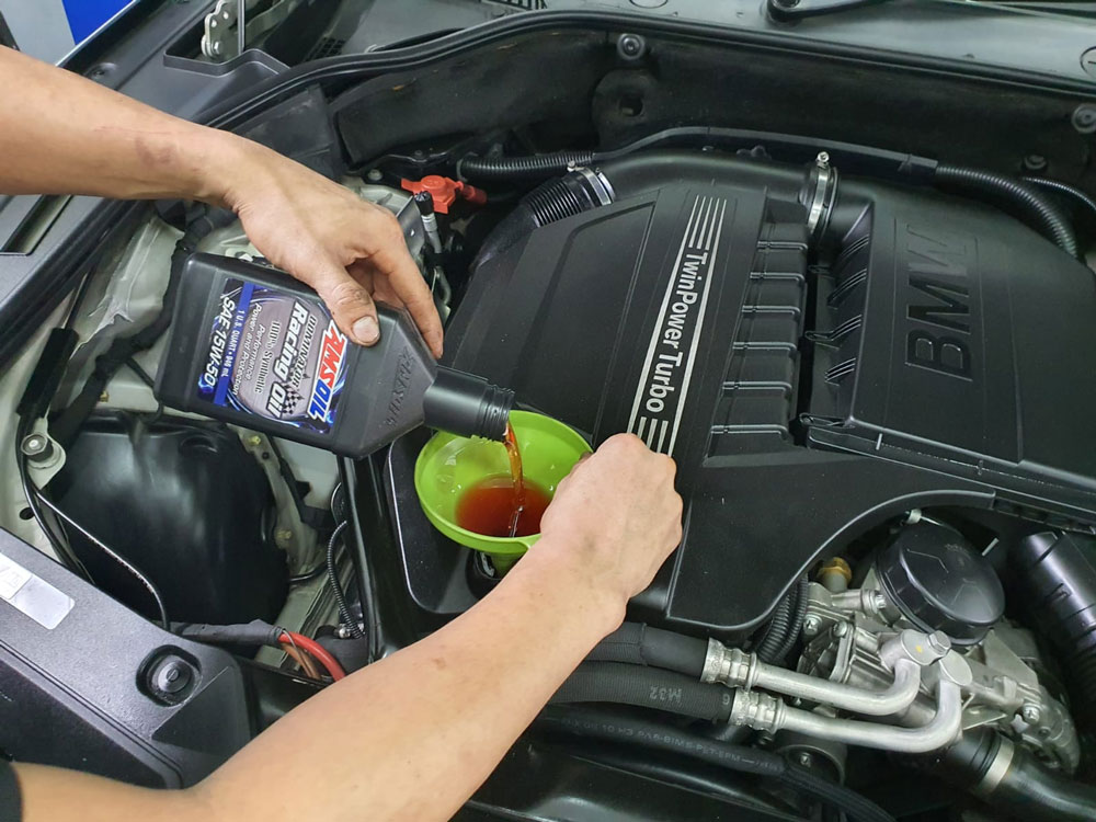 Amsoil Dominator Racing 15W50 Engine Oil 4L Vehicle Servicing Package