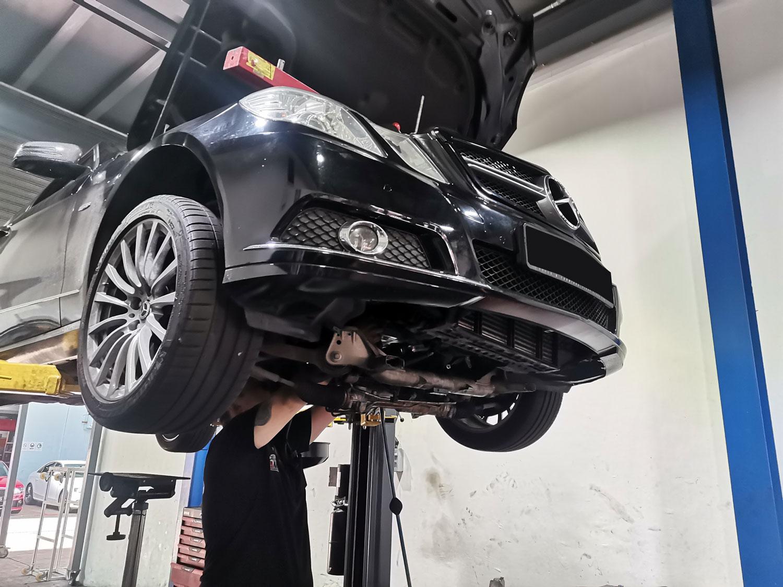 Mercedes-Benz Transmission Fluid Leak Repair Service