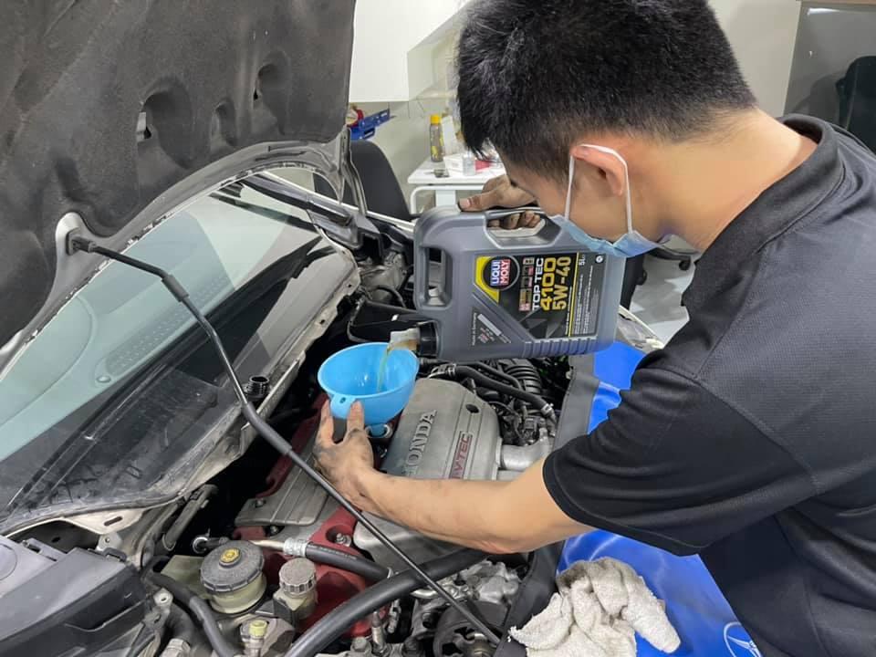 Liqui Moly Top Tec 4100 5W40 5L Vehicle Servicing