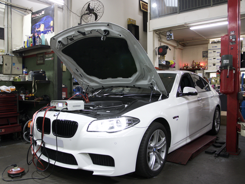 Luxury Sedan Car Diagnostic Servicing