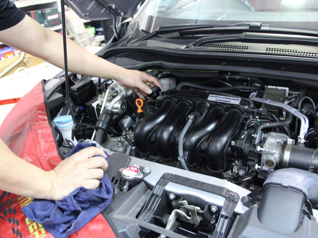 5W30 Vehicle Servicing Package For Luxury/Supercars Makes
