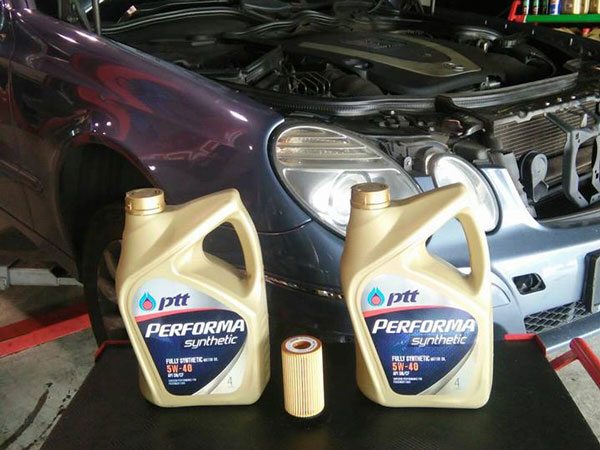 PTT Performa Synthetic 5W40 Honda Vehicle Servicing (With Pure Hydrogen Decarbonising)