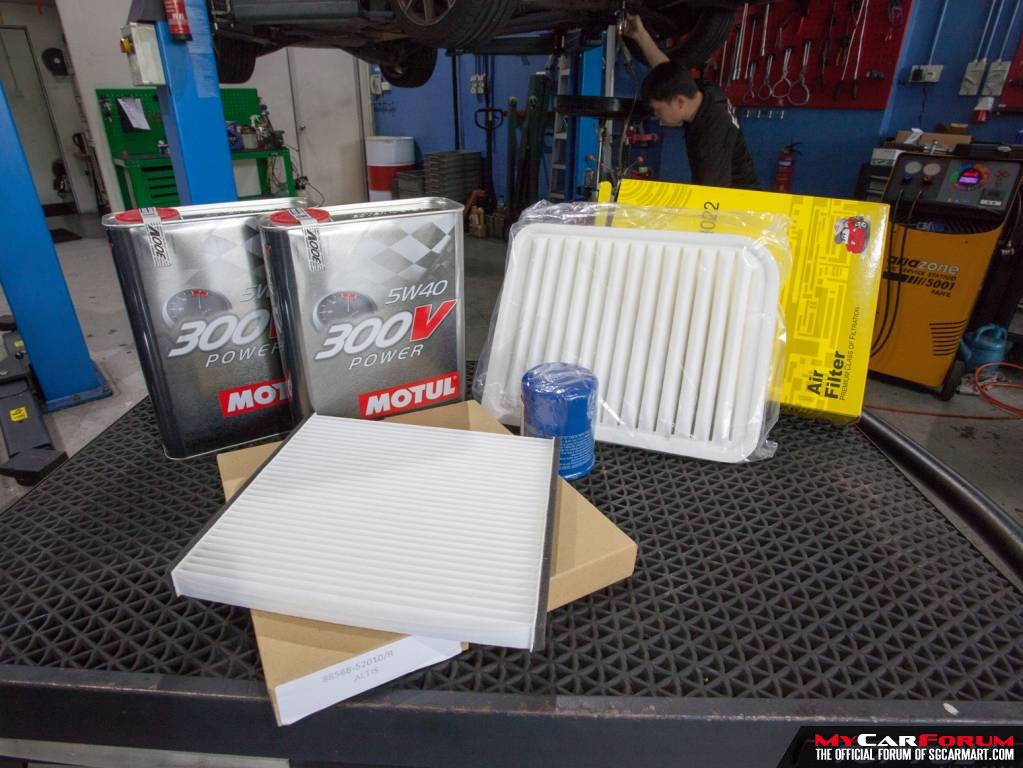 4L Motul 300V Power 5W40 Engine Oil Servicing Package
