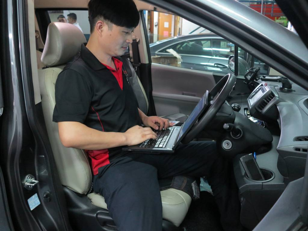 Grinding or Shaking Gearbox Diagnostic