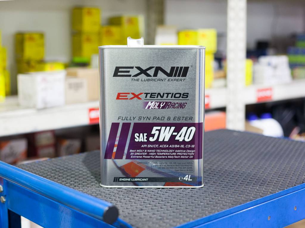 EXN Extentios Moly Racing 5W40 Vehicle Servicing