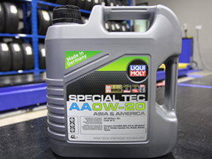 Liqui Moly Special Tec AA 0W20 Vehicle Servicing Package