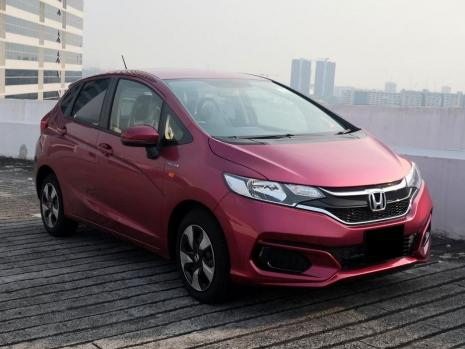 https://www.mycarforum.com/uploads/sgcarstore/data/11//111571367811_0Cropped_111571365210_0Rental _ Leasing - Honda fit Hyb - Front View-min.jpg