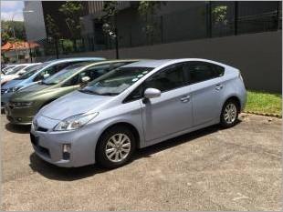 ToyotaPrius1501_20054_1.jpg