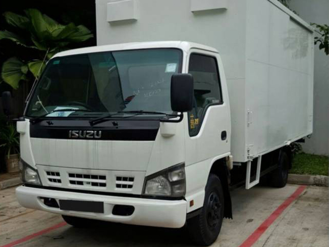 14 FT Isuzu NPR85 (For Rent)