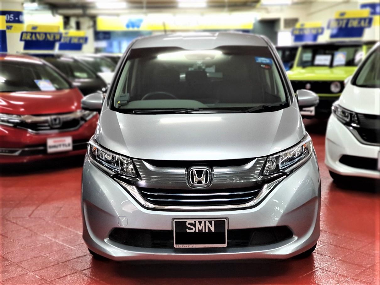 Honda Freed Hybrid (PHV Private Hire Rental)