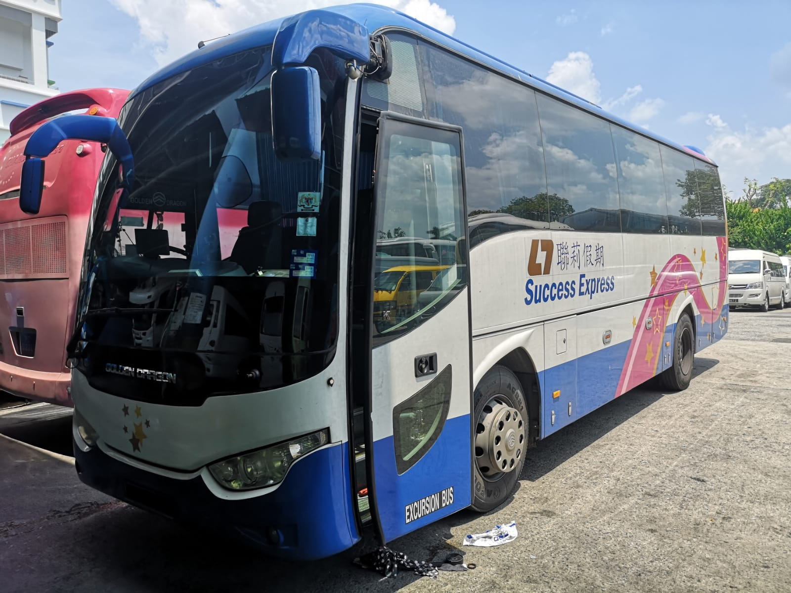 Golden Dragon 43 Seater Bus (For Rent)