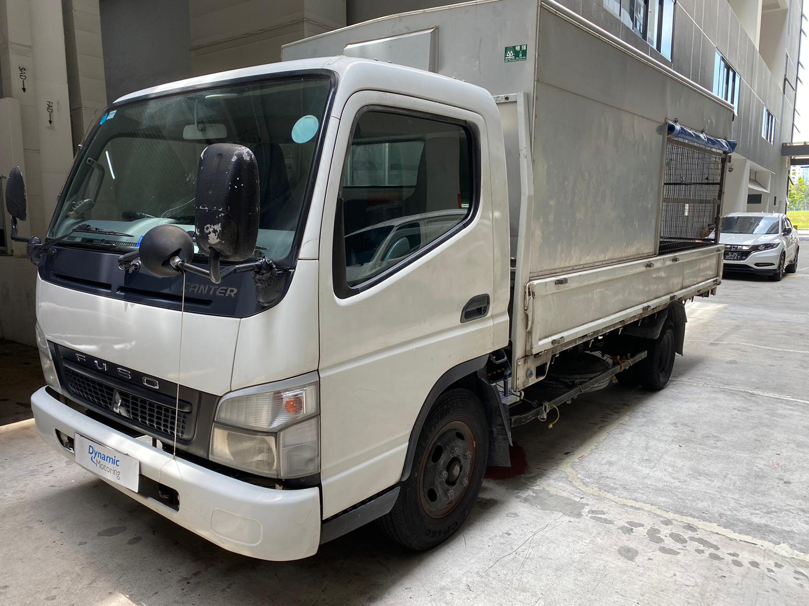14ft Mitsubishi Fuso Canter With Box (For Rent)
